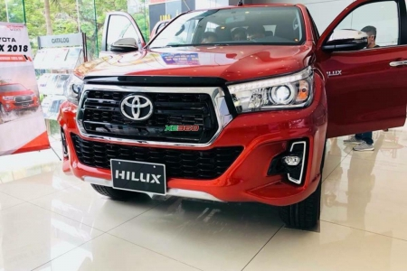Toyota Hilux 2.8G 4X4 AT model 2019